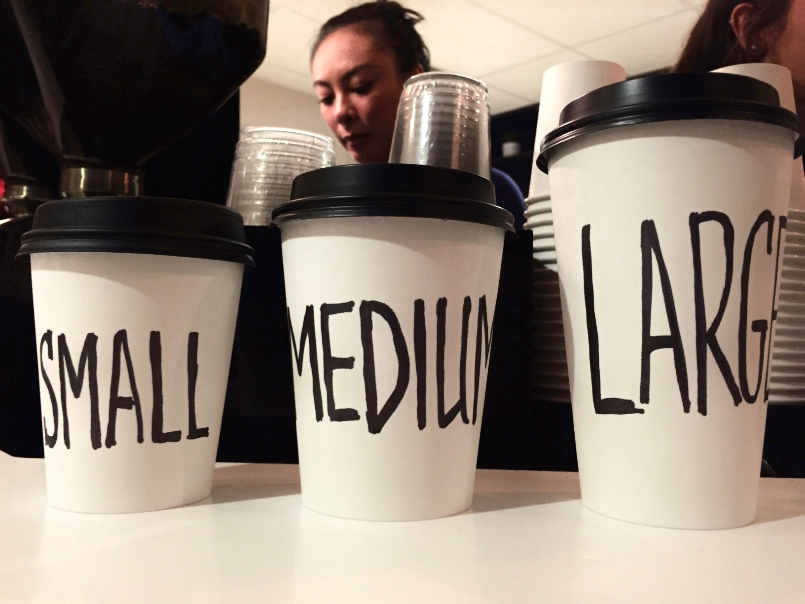 at-the-cafe-words-in-the-wild-tonythetigersson-tony-andrews-photography-small-business_t20_Ally26